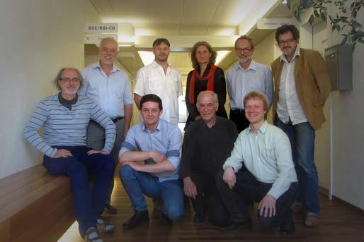 Membri fondatori della Campagna nazionale per il RBI. Da sinistra a destra: Ralph Kundig, Ägidius Jung, Charly Pache, Markus Hartl, Marianne Hubmann, Laurent Rebeaud, Gabriel Barta, Daniel Wittig et Gian Linard Nicolay